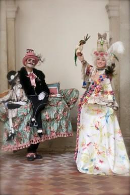 Monsieur Sofà e Mademoiselle Coco e gli aristopappagalli. Venezia 2015