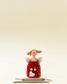 Angelo rosso piccolo in terracotta