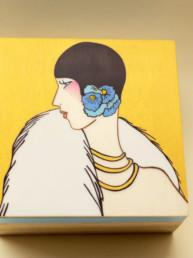Scatola in legno dipinto (bordo azzurro e fondo oro)