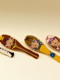 Spazzola in legno dipinto ispirata alla moda degli anni '60